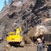 Landslide blocks Srinagar-Jammu highway