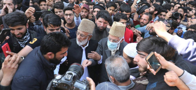 Freed Geelani Offers Friday Prayers, Finally