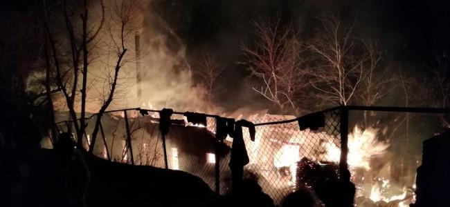 Seasonal army huts torched along Mughal road