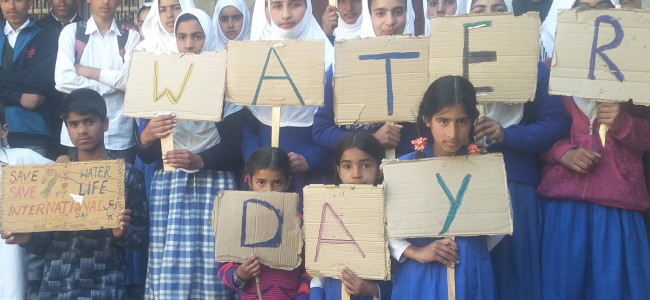 Kulgam school holds 'Save the Water' programme