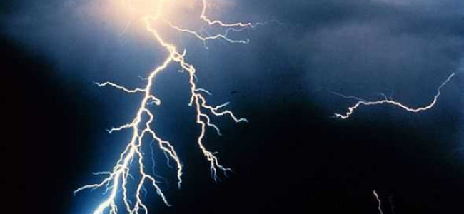 2 die after being struck by lightning