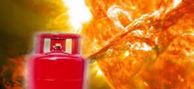 Cooking gas cylinder blast triggers fire, four structures gutted in Kamalkote