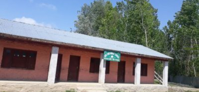 Schools locked in north Kashmir, SSA teachers demand de-linking of salary