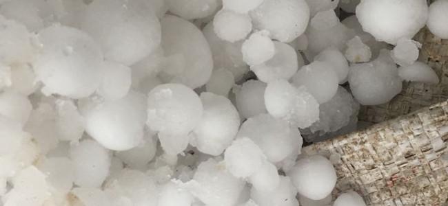 Hailstorm, heavy rains lash Srinagar parts
