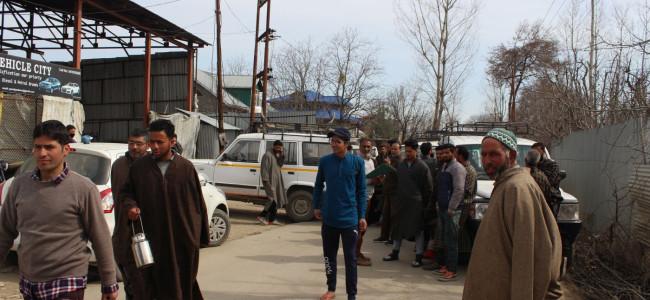 Drivers Union Imam Sahab protests dilapidated condition of Shopian-Bijbehara road