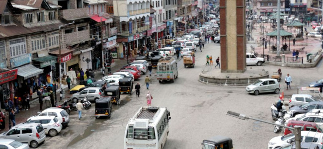 Streets witness less than usual public movement amid COVID-19 scare