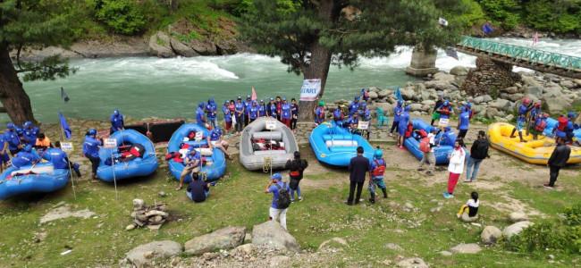 3-day Rouf Memorial State Rafting championship begins at Pahalgam