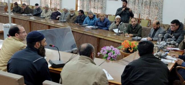 AK Mehta, Sarmad Hafeez take stock of public grievances at Srinagar